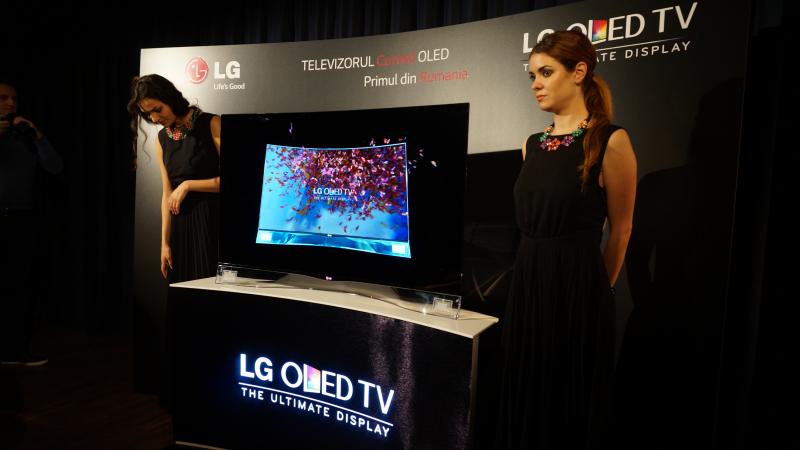 Lansare TV OLED ecran curbat Romania