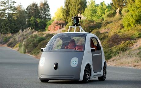 Masina Google fara sofer
